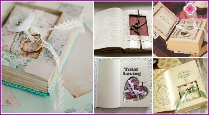 Zubehör für Ringe in einem Buch versteckt