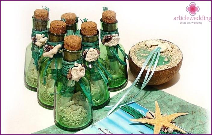 Invitation in a bottle for a nautical wedding