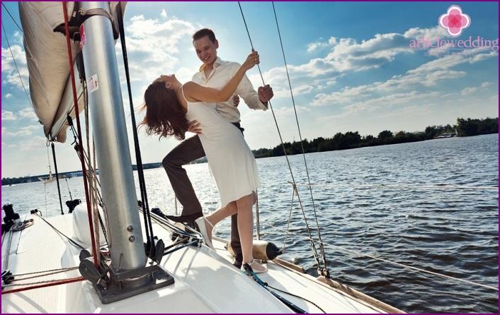 Boat trip for honeymooners