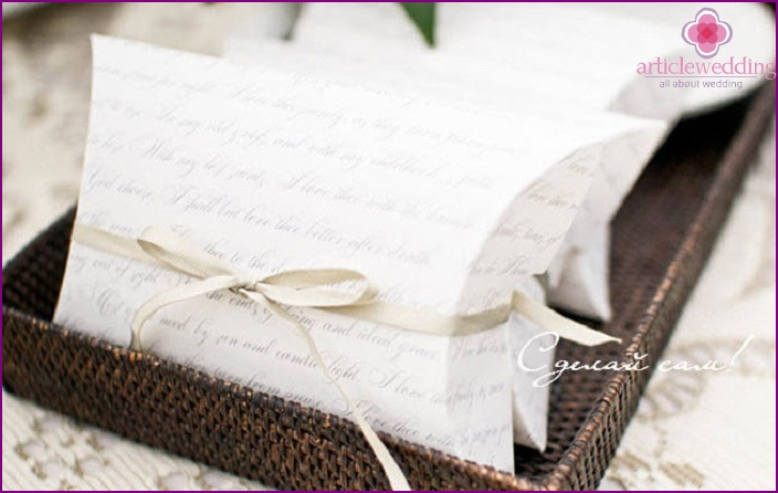 Paper Wedding Bonbonniere