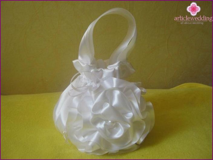 DIY bride's handbag