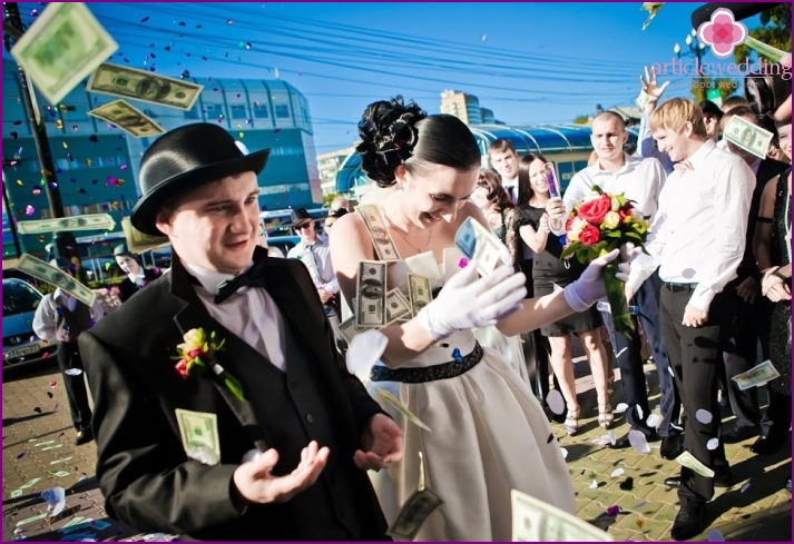 Banknotes in wedding pyrotechnics