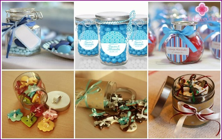Cookies and candies for filling jars