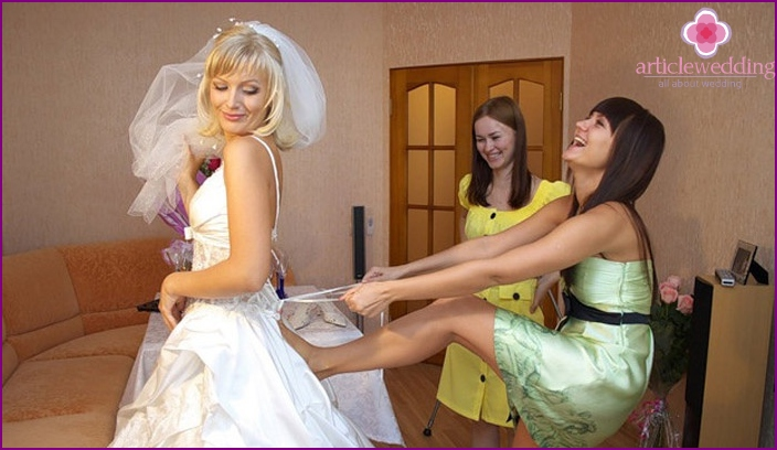 Bridesmaid should always be there