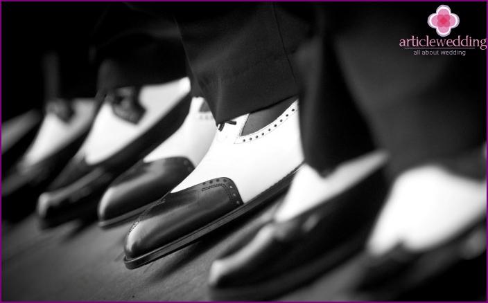 Elegant shoes for men for a wedding