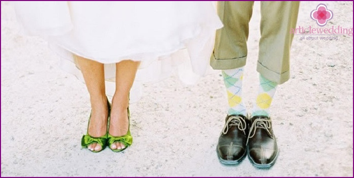 Bright shoes of the bride and groom