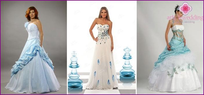 Blue shuttlecocks for a wedding dress