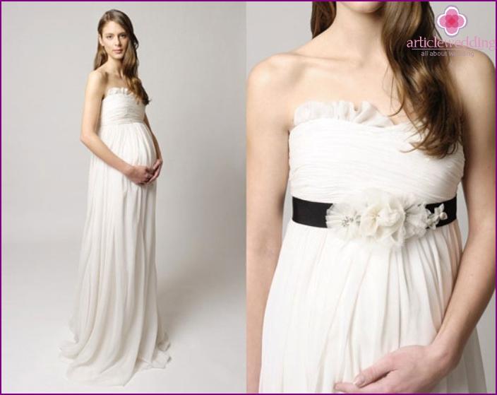 Greek furniture for pregnant brides