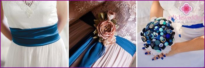 Gesättigte Farbaccessoires für Braut und Bräutigam