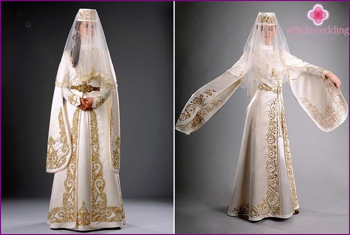 Schneiden Sie ossetische Hochzeitskleidung