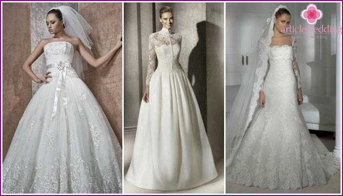 Klassisches Kleid in Weiß