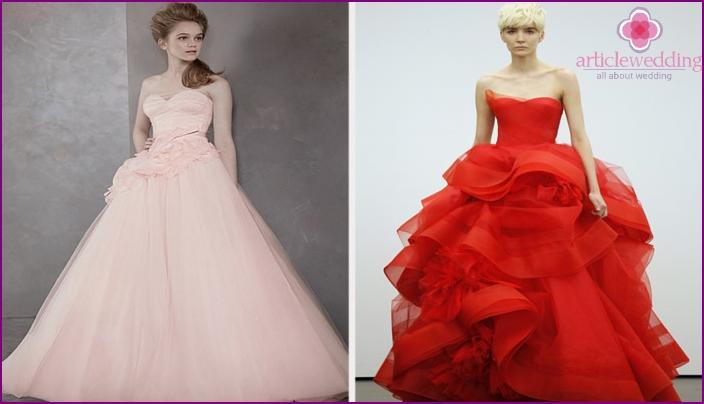 Unusual models of wedding clothes