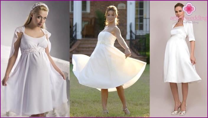 Foto: Brautkleider für die späte Schwangerschaft