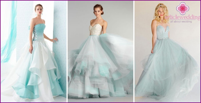 Turquoise Princess Dress: an opportunity to find yourself in a fairy tale