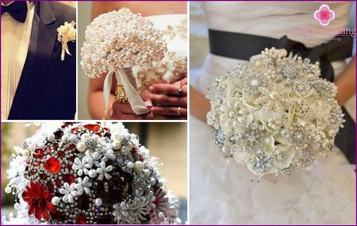 Brautstrauß mit Perlen