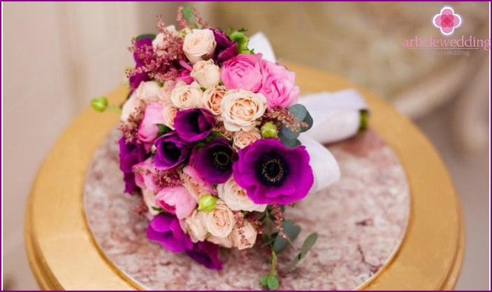 Colorful bouquet with buds of roses