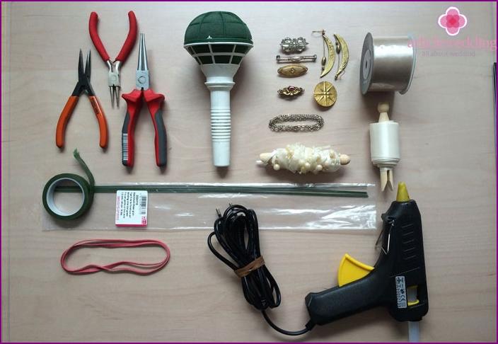 Materialien für die Herstellung eines Broschenstraußes