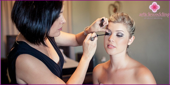 The rules for perfect blondes wedding makeup
