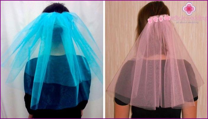 Farbiger Schleier der Freundinnen der Braut