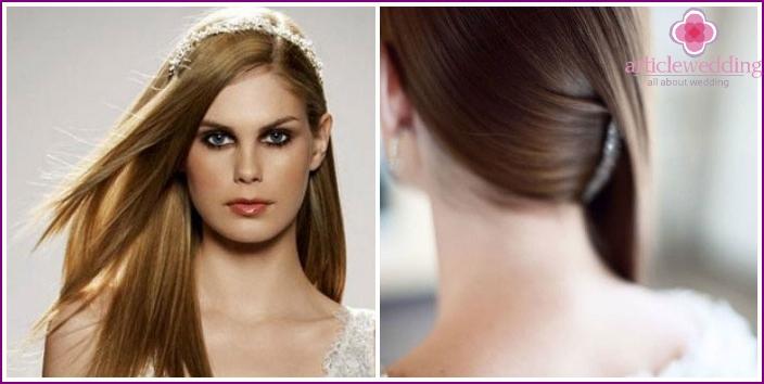 Elegantes Brautstyling für glattes langes Haar