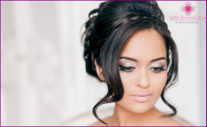 Wedding styling bun with elegant curls