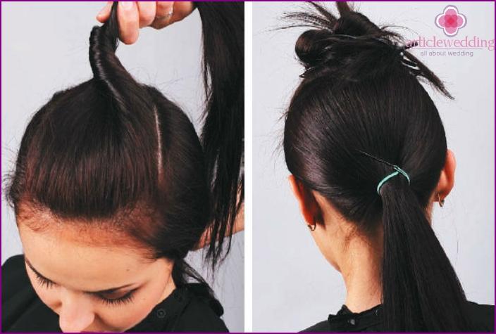 Trenne die Haare, binde den Schwanz