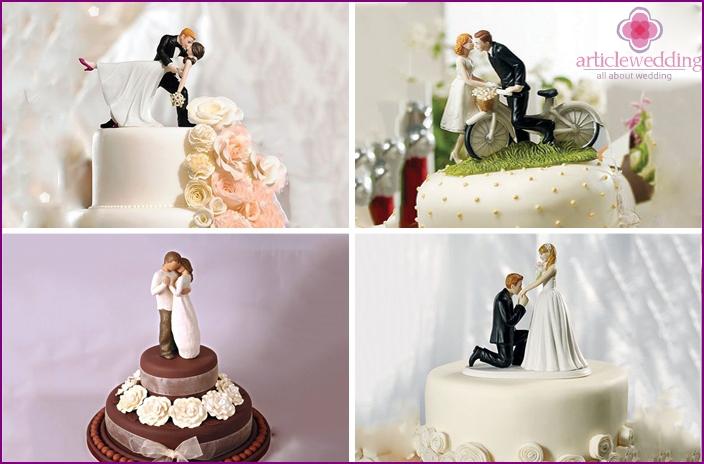 Desserts with honeymoon figures