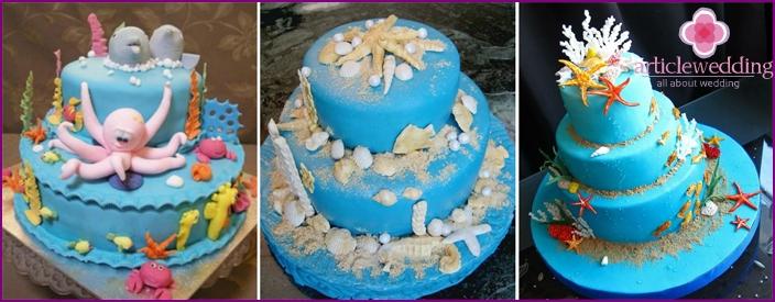 Kuchen mit essbaren Statuetten von Meeresbewohnern