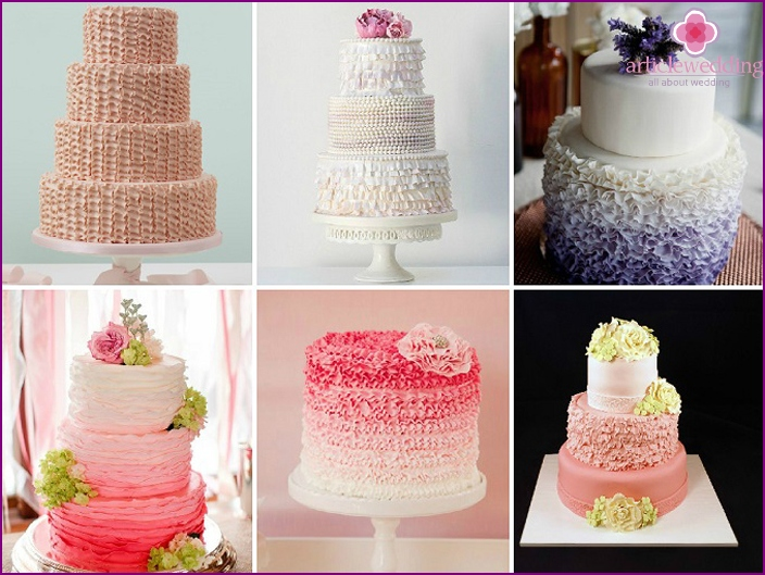 Decoration of cakes with ruffles