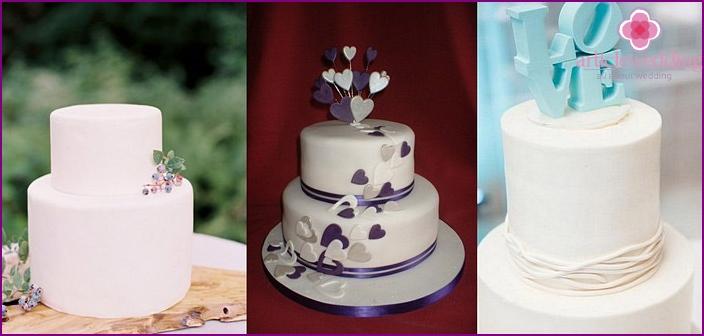 Classic wedding mastic cake