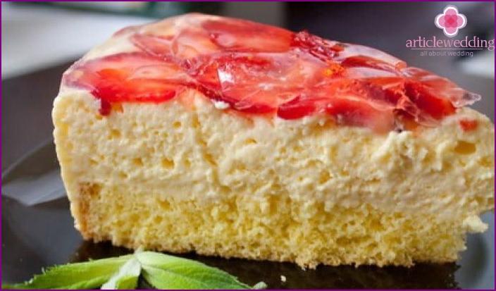 Cream cream for a wedding dessert