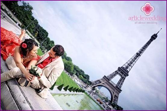 Braut und Bräutigam in Paris