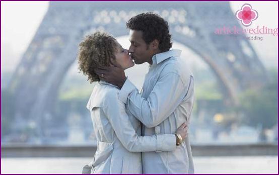 Liebespaar in Paris