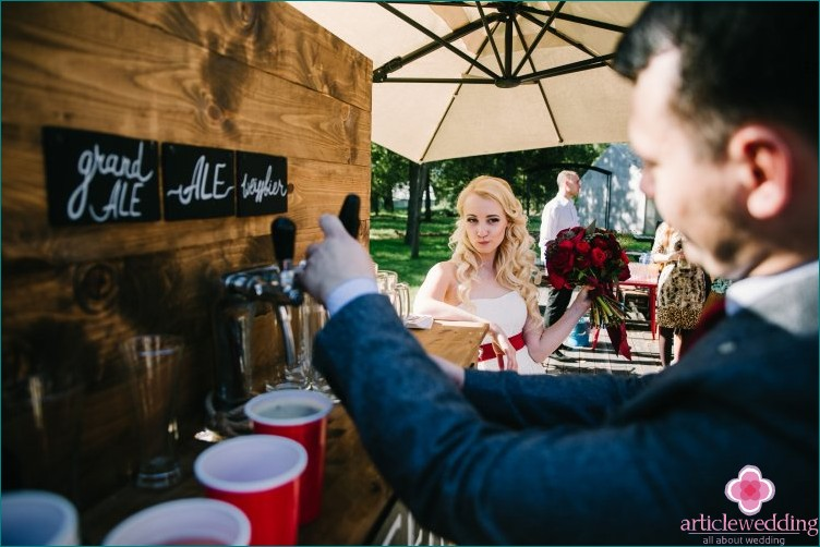 Beer serving at a wedding