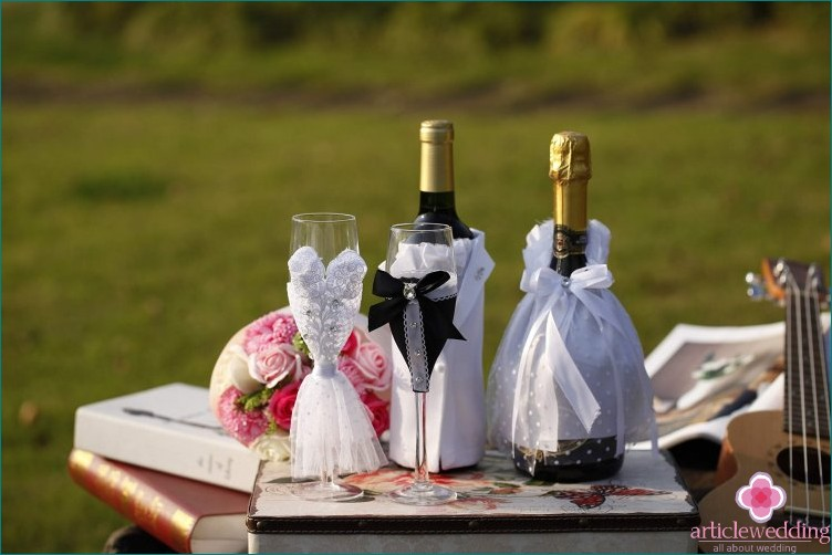 Wedding Champagne Decor