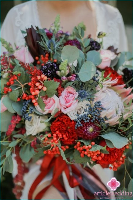 Wedding bouquet with berries