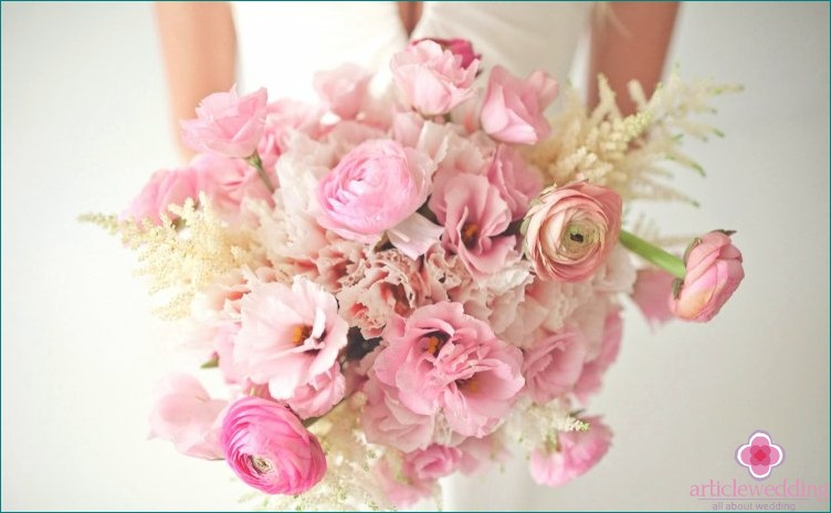 Delicate bouquet of ranunculus