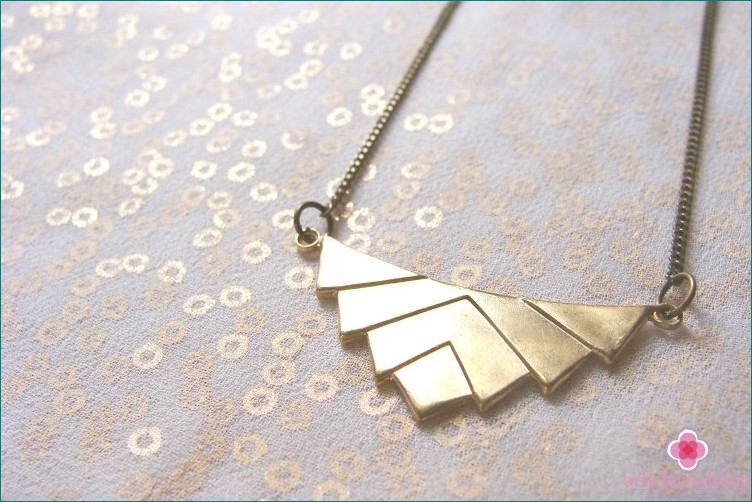 Geometric necklace for bride